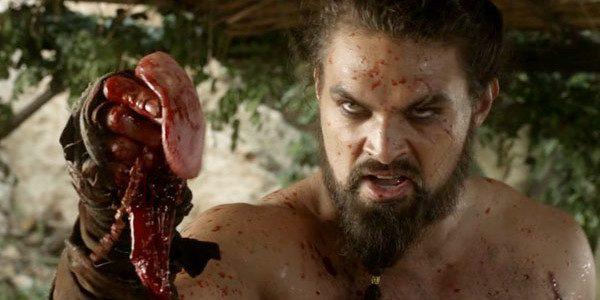Сильный человек может вырвать противнику сердце или позвоночник