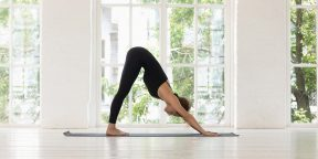 Тренировка дня: комплекс с элементами йоги для прокачки пресса