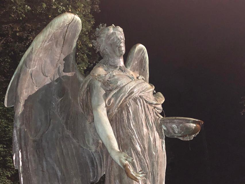 статуя Чёрного ангела