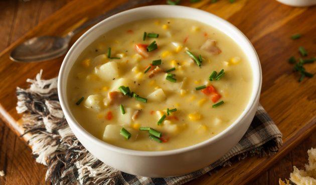 Мексиканский сырный суп с помидорами и кукурузой