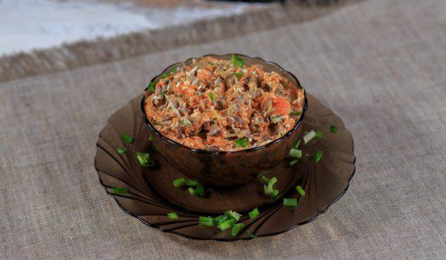 Печёночный салат с морковью