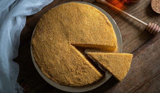 Торт «Медовик» с варёной сгущёнкой
