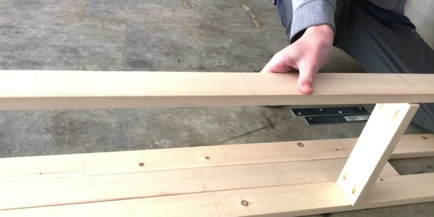 Как сделать стеллаж своими руками: соберите две «лестницы»