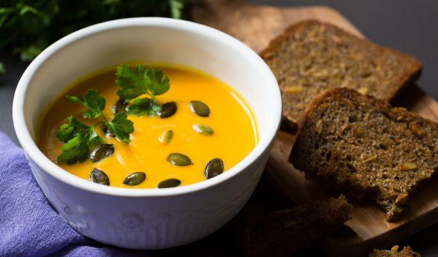 Пряный тыквенный суп с кокосовым молоком