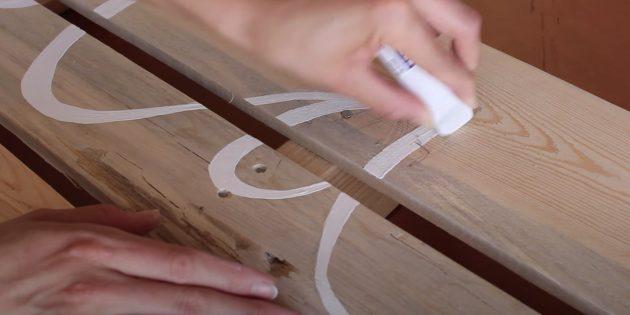 Лежак для собаки своими руками: напишите на задней стенке имя своего питомца