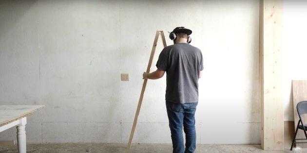 Как сделать стеллаж своими руками: измерьте ширину будущих полок