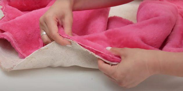 Лежанки для собак своими руками: приколите меховую ткань к брезенту