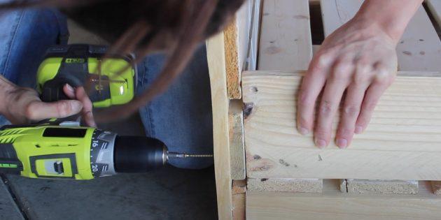Лежак для собаки своими руками: прикрепите боковые стенки