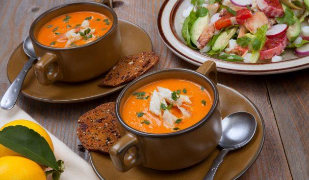 Томатный крем-суп с морепродуктами