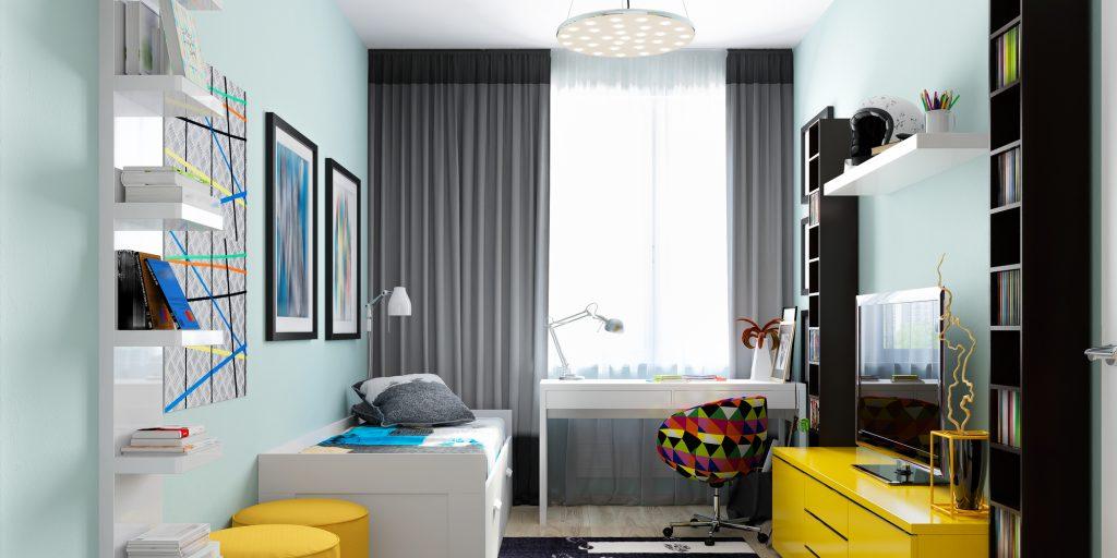 В этой детской есть общее освещение на потолке, рабочее у стола и светильник у кровати