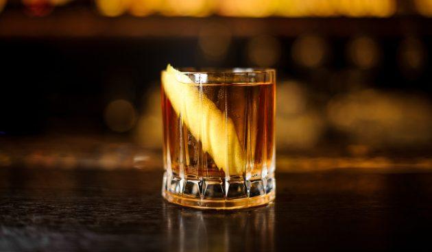Алкогольный коктейль «Ржавый гвоздь»