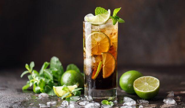 Алкогольный коктейль «Куба либре»