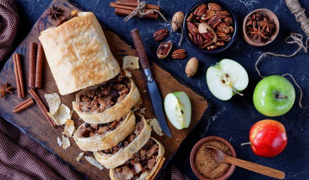 Яблочный штрудель от Джейми Оливера с орехами пекан и корицей
