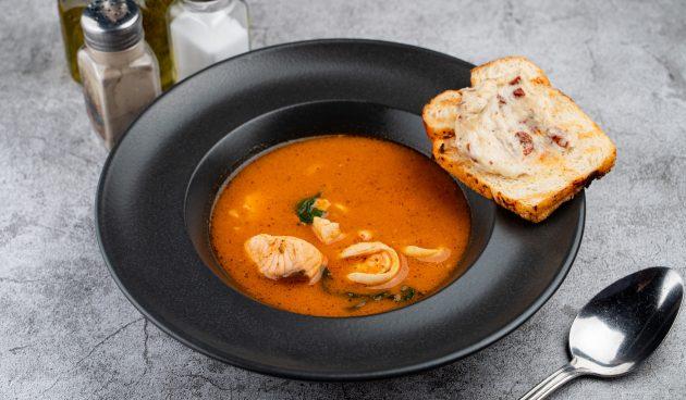 Испанский суп с морепродуктами