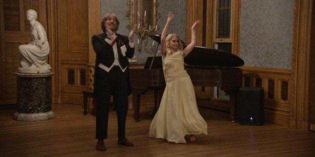 Кадр из фильма «Борат 2»