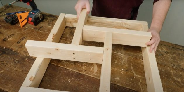 Как сделать подставку для ёлки своими руками: соберите крестовину