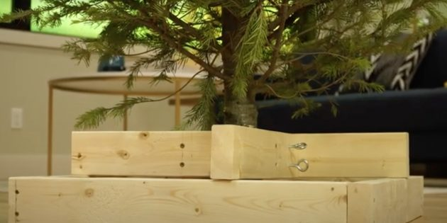 Подставка для ёлки из дерева в рамке своими руками