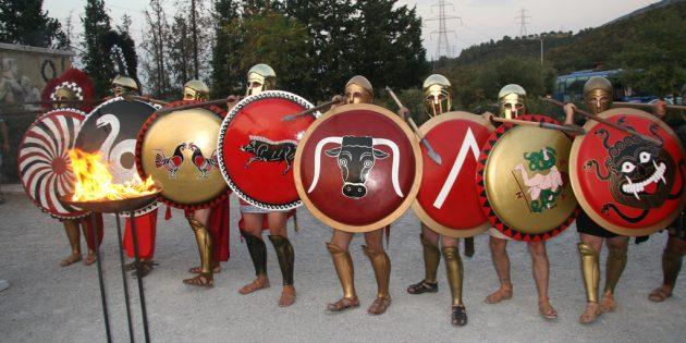 Спартанцы носили щиты с изображением буквы