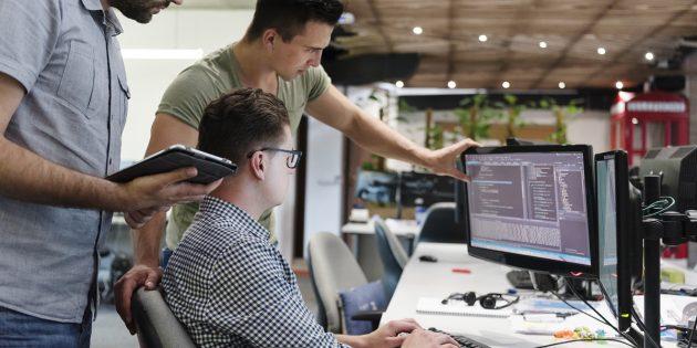 Нужные профессии: разработчик