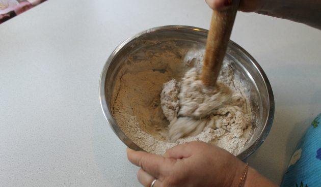 Сладкий кейтин-пирой: замесите тесто