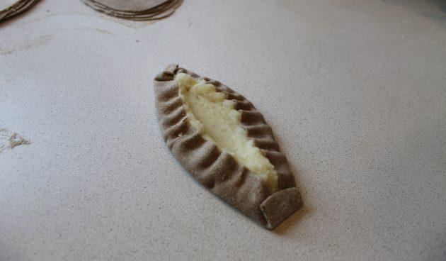 Сформируйте калитки с картошкой