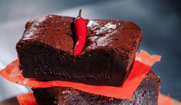 Пикантный шоколадный пирог с кайенским перцем