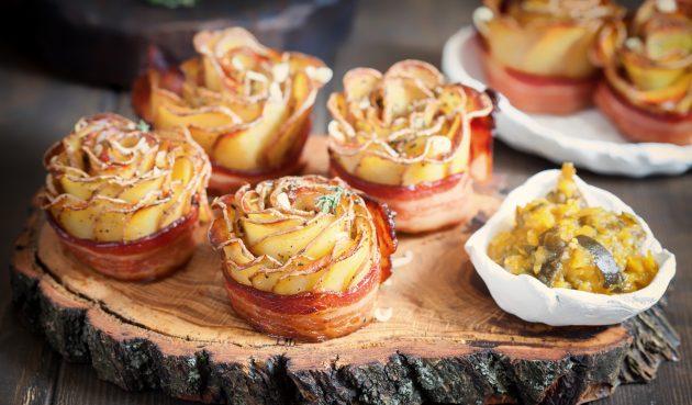 Розы из картошки с беконом