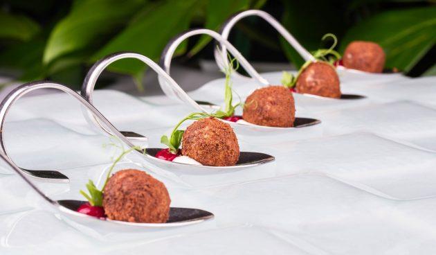Оригинальные сырные шарики с помидорами
