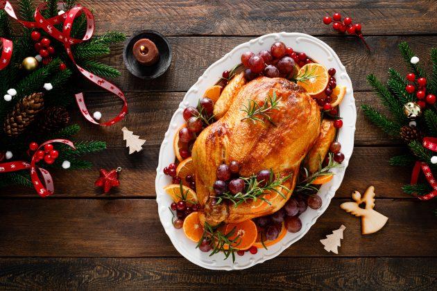 Курица, фаршированная виноградом