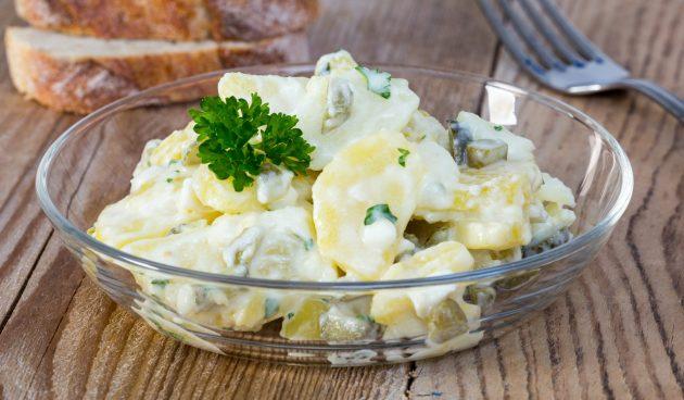 Салат с картошкой и солёными огурцами