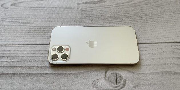 iPhone 12 и iPhone 12Pro: выступающий тройной блок камеры более уязвим без чехла