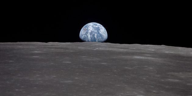 Период обращения Луны вокруг Земли составляет примерно 27суток