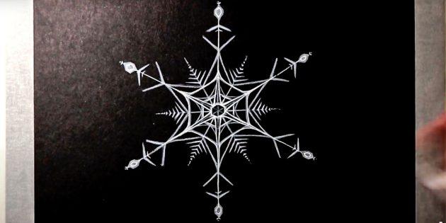 Как нарисовать снежинку карандашом или фломастером