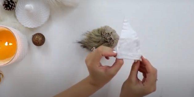 Подарки на Новый год своими руками: сшейте шапочку