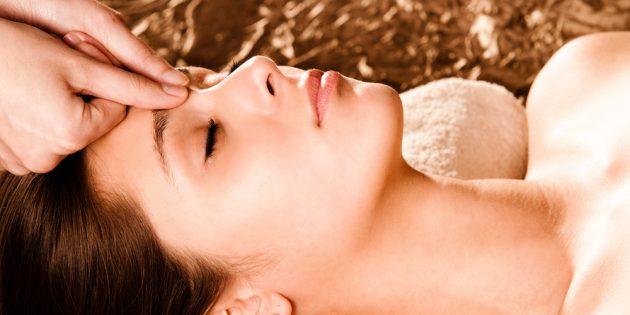 Как избавиться от головной боли с помощью акупрессуры: «отверстие в бамбуке»