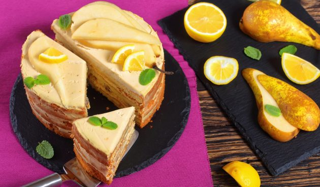 Грушевый торт с лимонным кремом