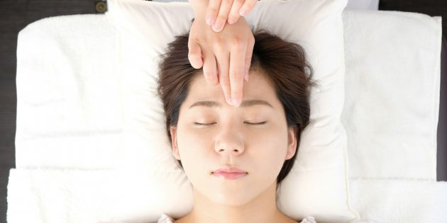 Как избавиться от головной боли с помощью акупрессуры: «третий глаз»