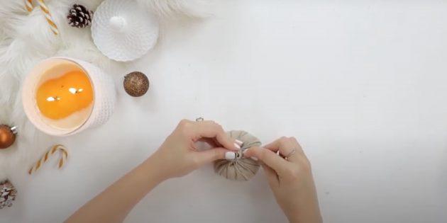 Подарки на Новый год своими руками: зашейте мешочек