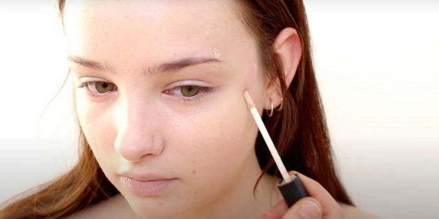 Как сделать естественный макияж: нанесите консилер