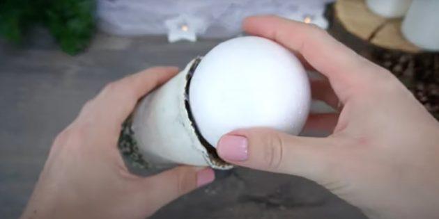 Поделки из шишек: приклейте шар