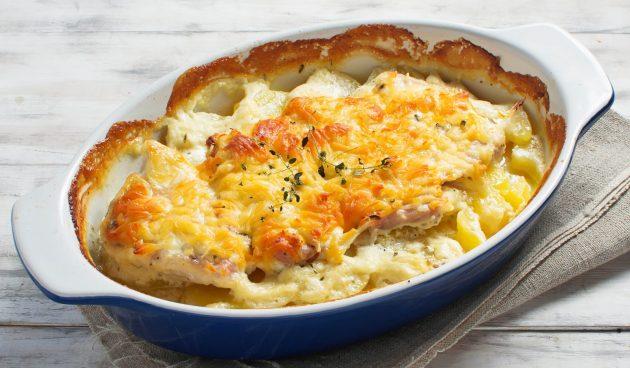 Свинина, запечённая с картошкой и сыром в духовке