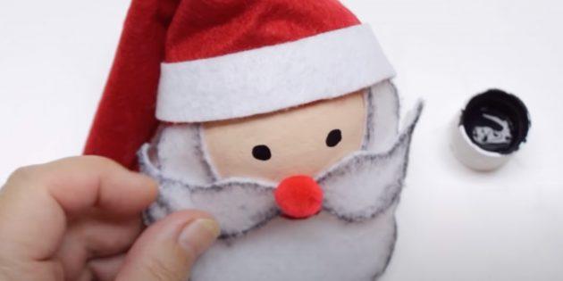Как сделать Деда Мороза своими руками: нарисуйте глаза