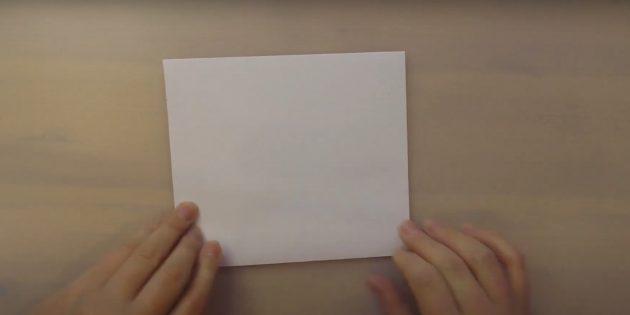Как сделать Деда Мороза своими руками: сложите лист напополам