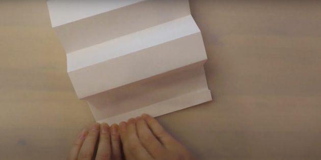 Как сделать Деда Мороза своими руками: загните кончик бумаги