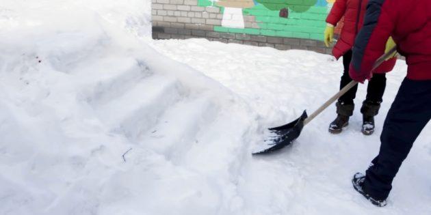 Ледяная горка своими руками: сделайте площадку и ступеньки