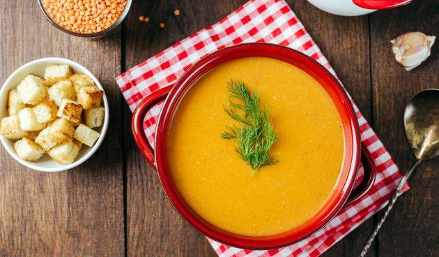 Суп-пюре из чечевицы с картошкой и томатной пастой