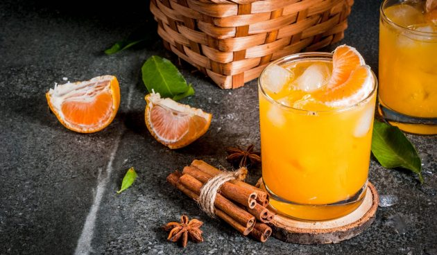 Коктейль с водкой, мандаринами и имбирём