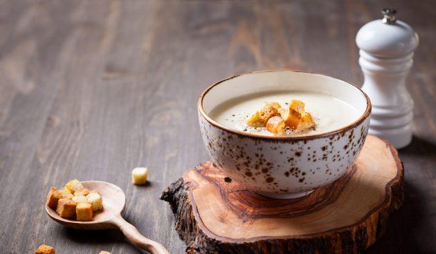 Овощной суп-пюре с запечённым чесноком