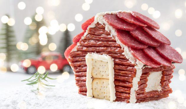 Сырная избушка с колбасой. Крутая закуска на Новый год