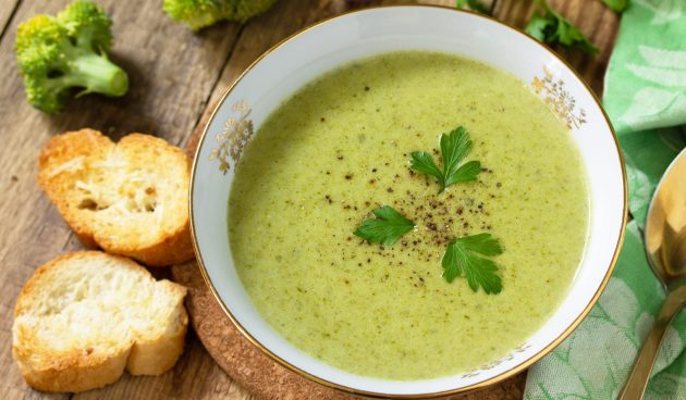 Овощной суп с чечевицей и кешью